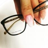 👓 MAMO, w tym roku mam dla Ciebie coś specjalnego... 🤍  nowe oprawki | badanie wzroku Zapraszam Cię do @modneokulary.pl   #modneokulary #modneokularypl #września #polska #wielkopolska #okulary #okularykorekcyjne #okularydamskie #eyewear #eyewearfashion #eyewearstyle #oprawki #kobieta #mama #dlamamy #odcórki #dzieńmatki #polishwoman #nails #prezent #badaniewzroku #tommyhilfiger #tommyhilfigereyewear #moda #optyk #salonoptyczny #optykwrześnia #swarzędz #słupca #gniezno