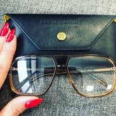 👓 ...skórzane etui,  genialne oprawki - przymierz się do naszych NOWOŚCI.  #modneokulary #modneokularypl #września #wielkopolska #polska #okulary #okularykorekcyjne #scotchandsoda #topbrand #eyeweardesigner #eyewear #eyewearlover #leather #accessories #kobieta #mężczyzna #paznokcie #glasses #optyk #salonoptyczny #optykwrześnia #details #photo #optician #wzrok #style #fashion #moda #classic #etui